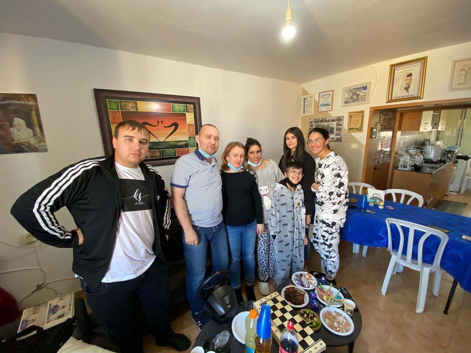Игорь с семьей донора в Израиле фото