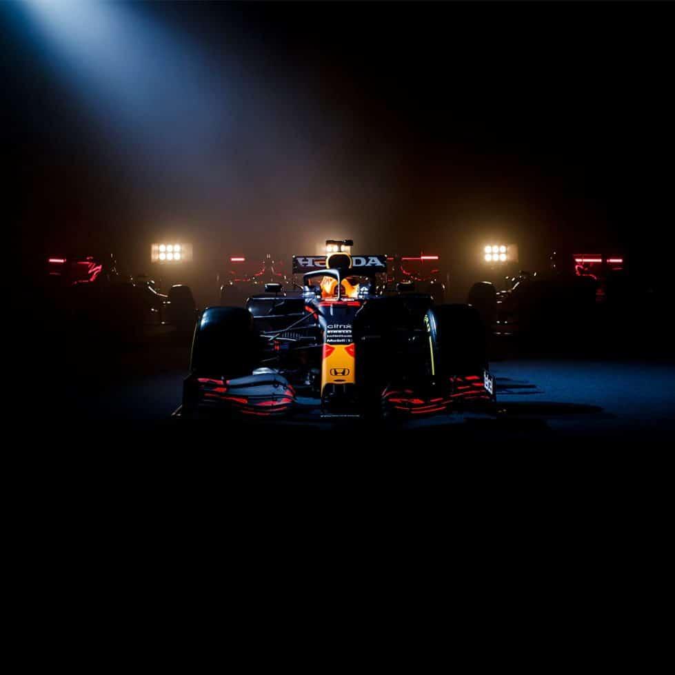 Болид Red Bull формула-1 машина фото