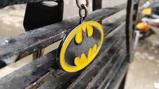 Брелок Бэтмен супергерой фото