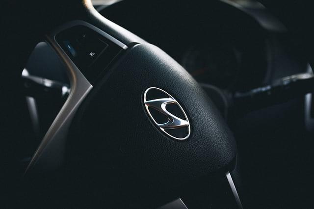 Hyundai руль машина логотип фото