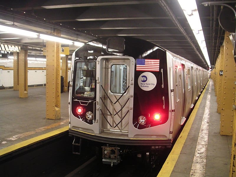 Метрополитен Нью-Йорка фото