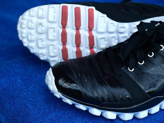 Обувь Reebok кроссовки фото
