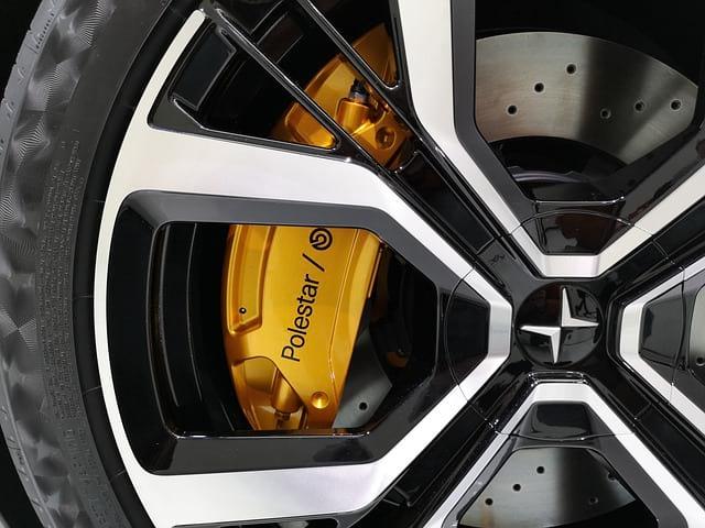 Polestar автомобиль колесо фото