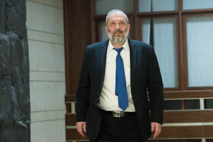 Лидер партии ШАС Арье Дери фото