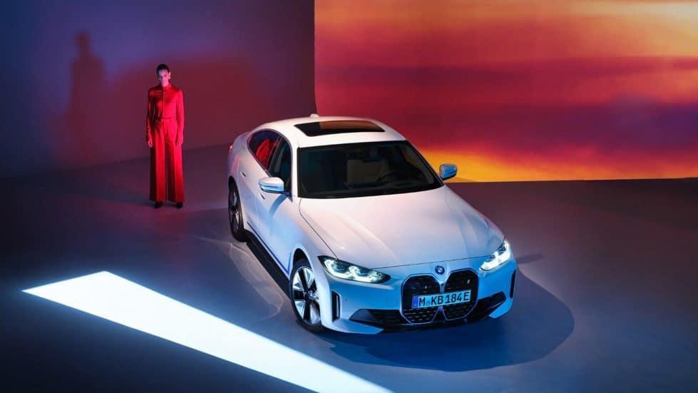 BMW i4 автомобиль электромобиль электрокар фото