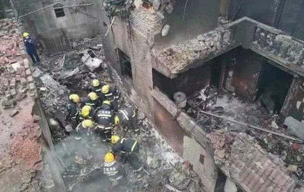 Крушение самолета в Китае фото