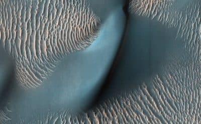 Линейные дюны на Марсе фото