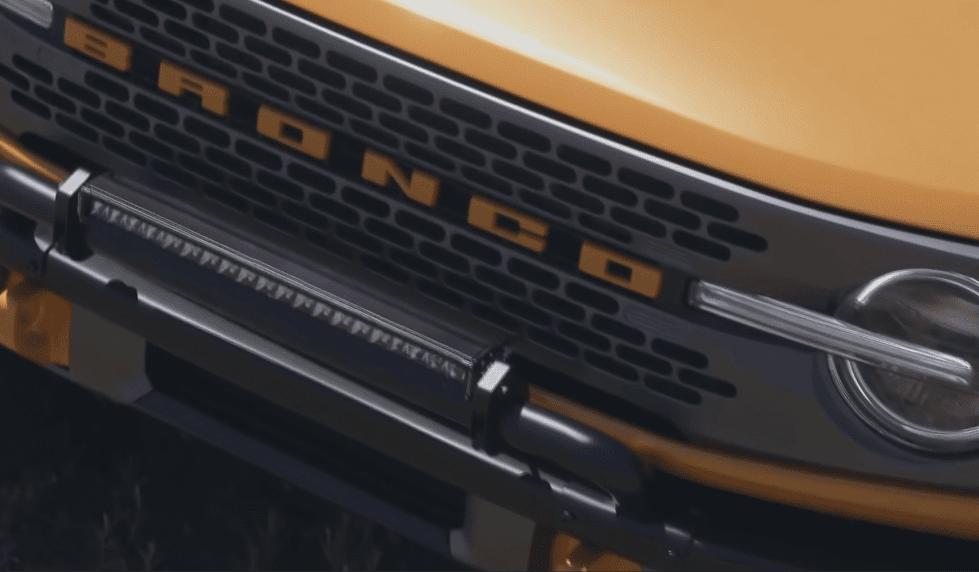 Автомобиль Ford Bronco фото