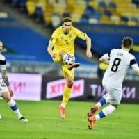 Сборная Украины и сборная Финляндии фото