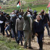 Столкновения арабов и солдат ЦАХАЛа фото