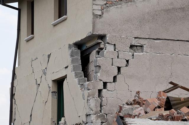 Последствия землетрясения фото
