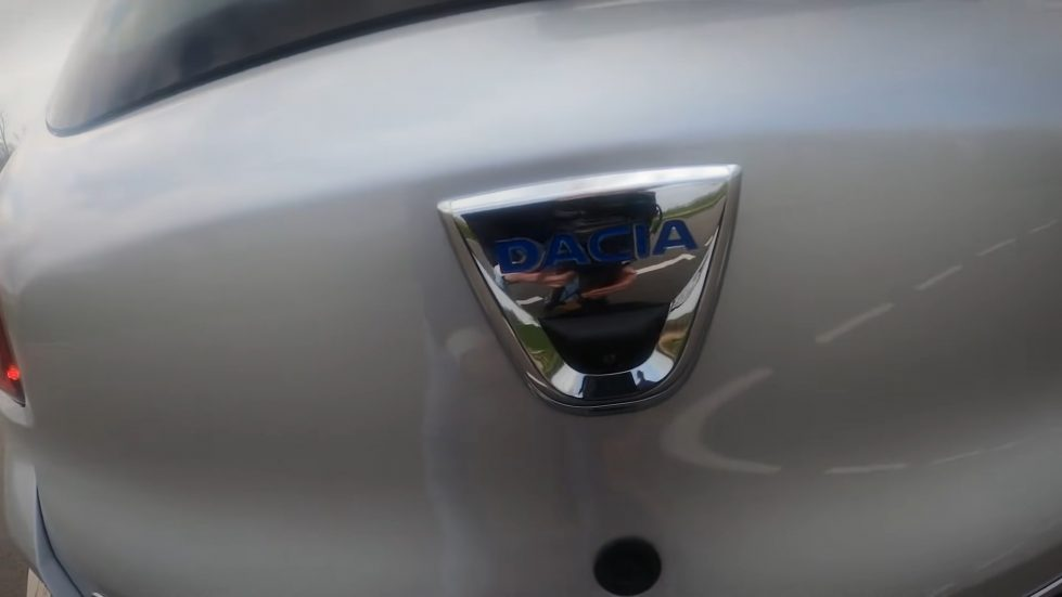 Dacia авто фото