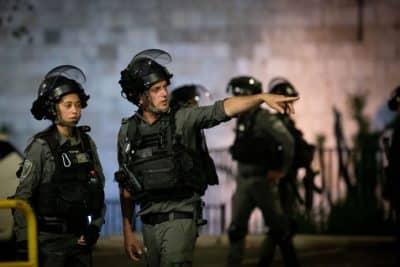 Палестинцы спровоцировали беспорядки и столкновения с полицией в Иерусалиме. Фоторепортаж