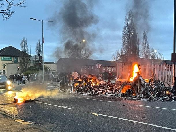 Беспорядки в Северной Ирландии фото