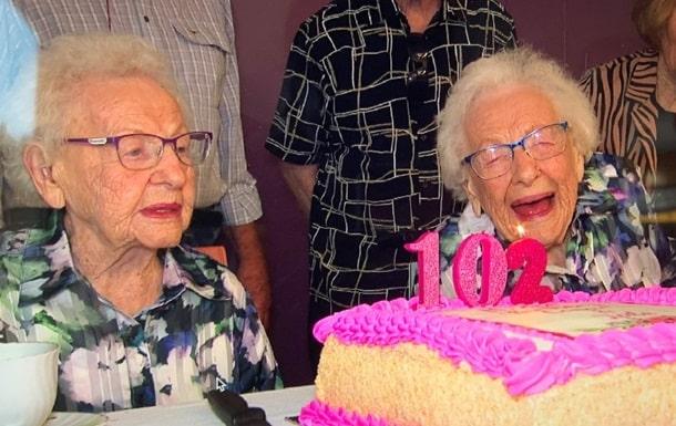 Сестры-близняшки из Австралии фото