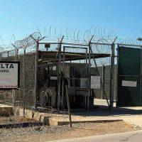 Спецтюрьма США на Кубе Гуантанамо фото