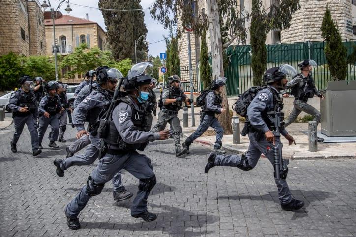 Столкновения полиции и ультраортодоксов Иерусалиме фото