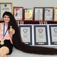 Девушка с самыми длинными волосами фото