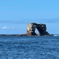 Арка Дарвина на Галапагосских островах фото