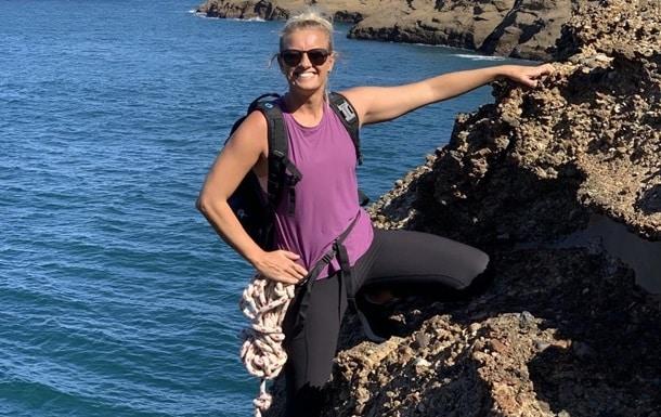 Австралийка совершила прыжок с воздушного шара в воду фото