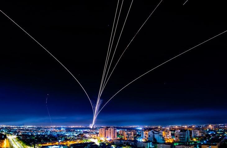 ракетный обстрел фото