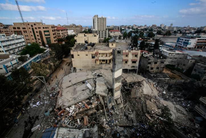 Разрушения в Газе после авиаударов фото