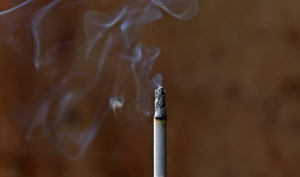 Курение сигарета фото