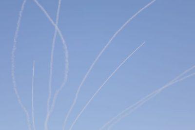 В жилой дом на побережье в Ашкелоне попала ракета (ФОТО)