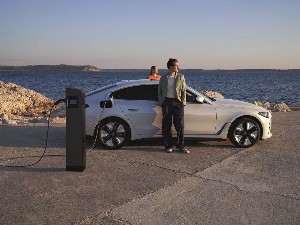 BMW i4 фото