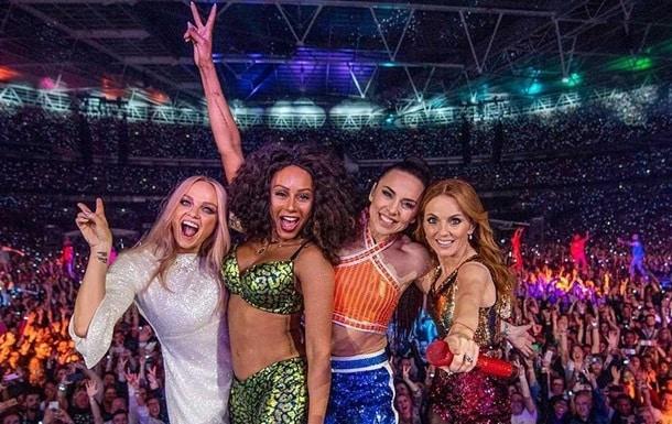 Британская поп-группа Spice Girls фото