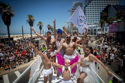 ЛГБТ-парад в Тель-Авиве фото