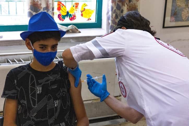 Вакцинация детей в Израиле фото