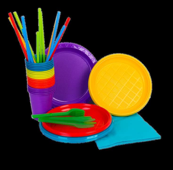 Пластиковая посуда изображение