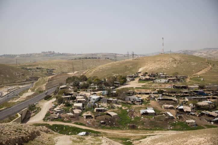 Хан аль-Ахмар фото