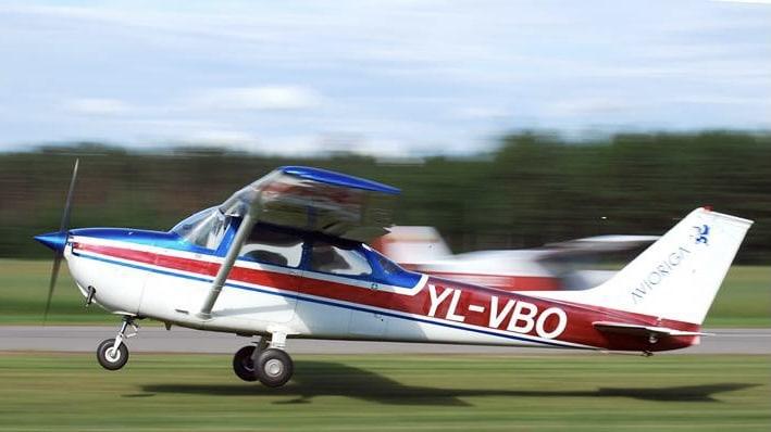 Легкомоторный самолет фото