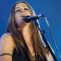 Певица Аланис Мориссетт фото