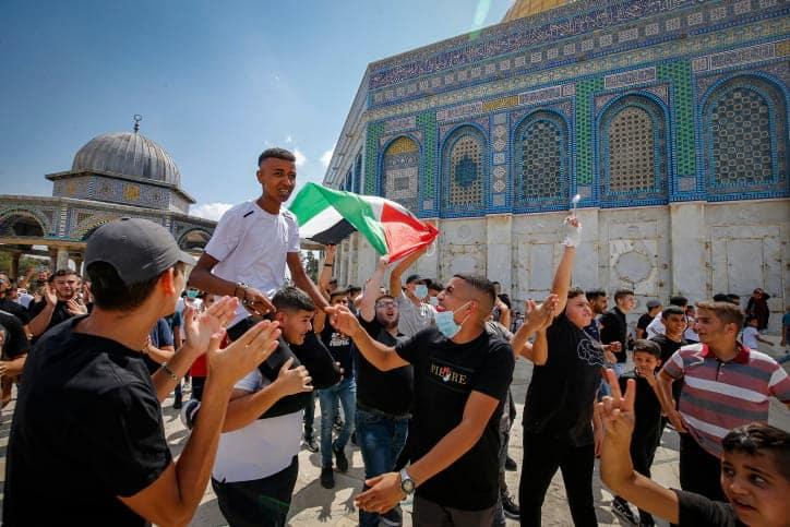 Протест палестинцев на Храмовой горе фото