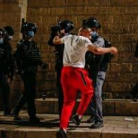 Протесты палестинцев фото