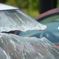 Разбитый автомобиль авария стекло фото