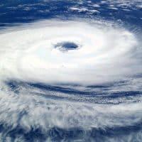 циклон буря тайфун фото