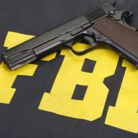 ФБР пистолет картинка
