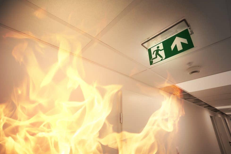 Пожар аварийный выход фото