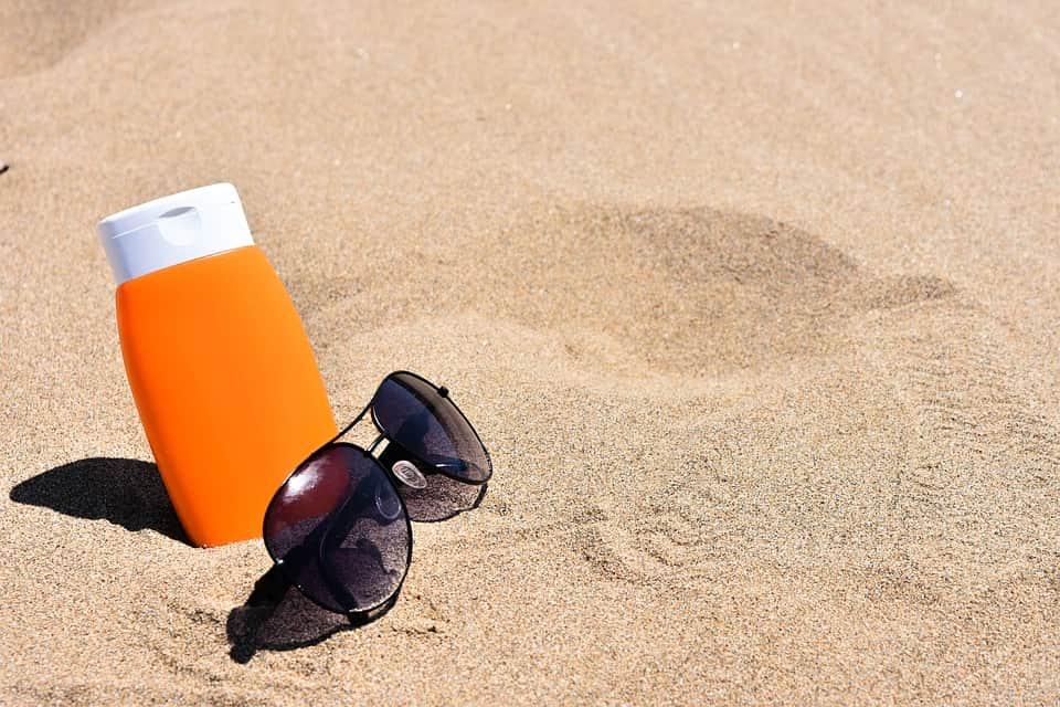 Солнцезащитный крем пляж фото