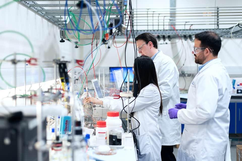 Ученые лаборатория наука фото