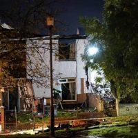 Взрыв разрушил два дома в Шотландии фото